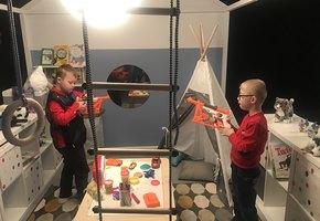 Эксперимент: как взрослые влияют на отношение детей к сверстникам с особенностями