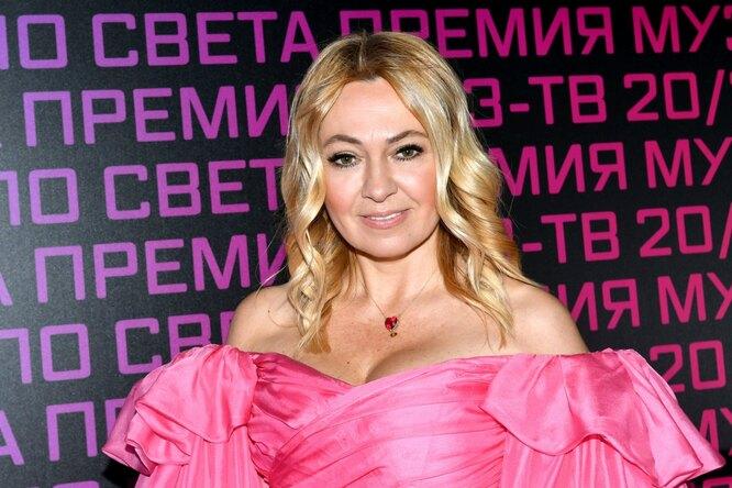 Яна Рудковская впервые показала сына, родившегося отсуррогатной мамы
