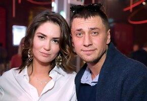 «Любящий отец»: Павел Прилучный отдыхает в Сочи с детьми от Агаты Муцениеце