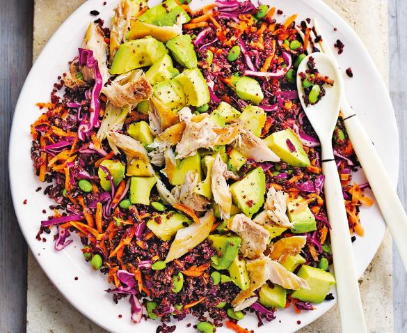 Радужный салат со скумбрией
