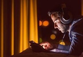 Муж в соцсетях: лайки, флирт, ревность и «почти реальные» измены