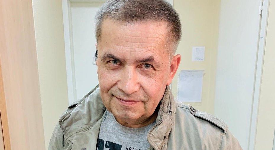 «Мне здесь лет 25»: Николай Расторгуев опубликовал архивное фото
