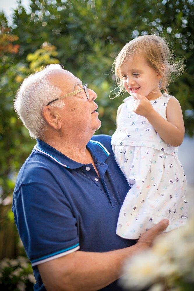 дедушка, внучка