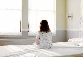 Для ребенка с опытом сиротства лечение в больнице – страшная травма