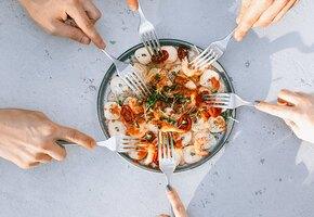 Ужин по-гречески: клефтико, тиропита и хтаподи. Попробуйте, это вкусно!