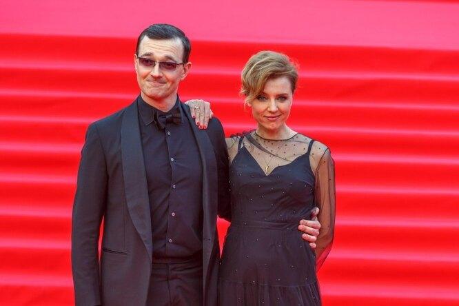 «Красивая пара!» Егор Бероев сженой Ксенией посетили вечеринку друзей