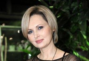 «Пошалили»: фото Елены Ксенофонтовой в бюстгальтере