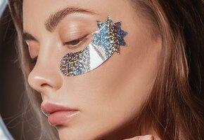 Неспящая красавица: 7 омолаживащих патчей под глаза, которые вам понравятся