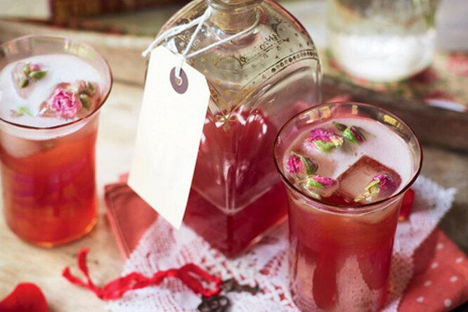 Коктейль с розовым вином