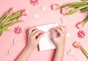 15 весенних подарков на 8 Марта, которые точно понравятся маме