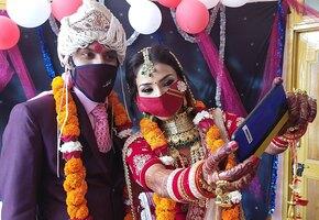 Невеста умерла во время свадьбы. Её заменили на сестру и продолжили праздник