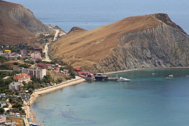 Двенадцать пляжей водном поселке: Орджоникидзе — моря много небывает