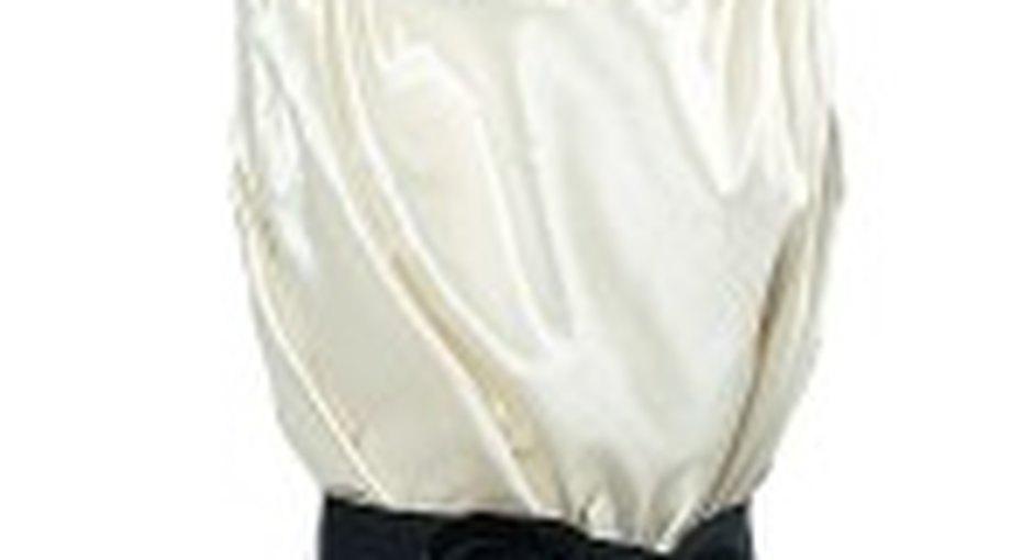 Звездный стиль: белая блуза