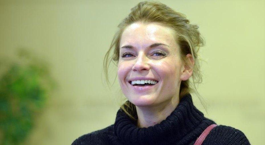 «Стала обворожительной, как мама»: Любовь Толкалина показала дочь отЕгора Кончаловского