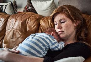 Почему быть матерью — тяжкий труд (11 рисков, о которых женщин нужно предупреждать)