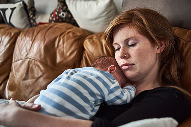 Почему быть матерью — тяжкий труд? 11 рисков, окоторых женщин непредупреждают