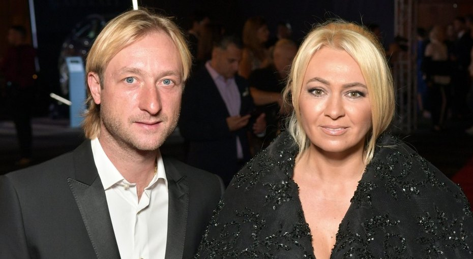 «Саша подрос, а мама неменяется»: Евгений Плющенко показал семейное фото