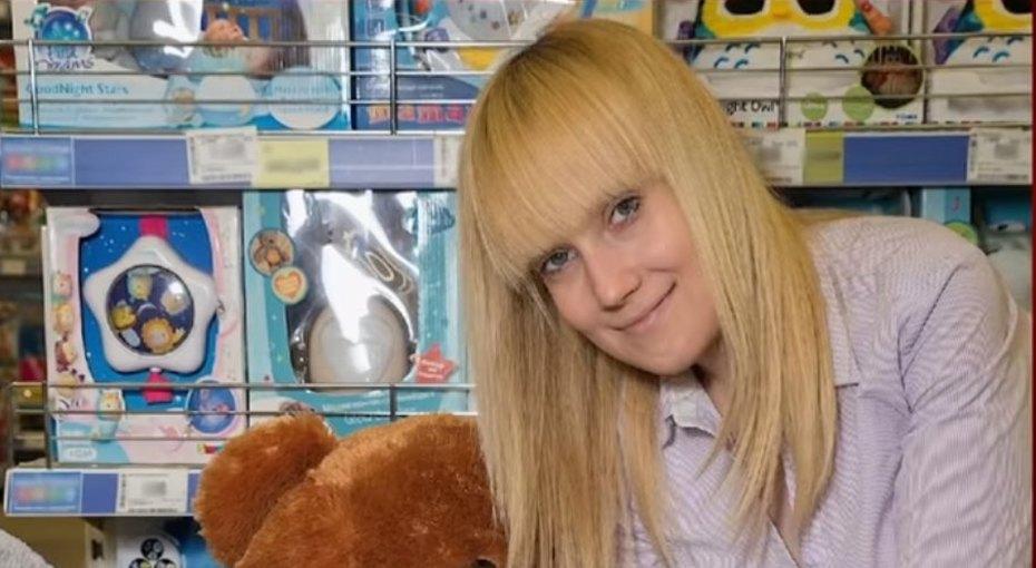 26-летняя мать двоих детей, избитая мужем, скончалась после трех лет жизни сэпилепсией