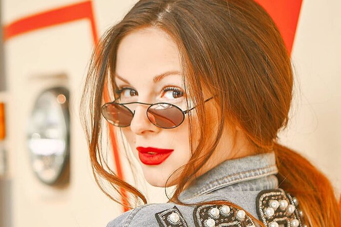 Певица Нюша восхитила поклонников стройной фигурой черезчетыре месяца после родов