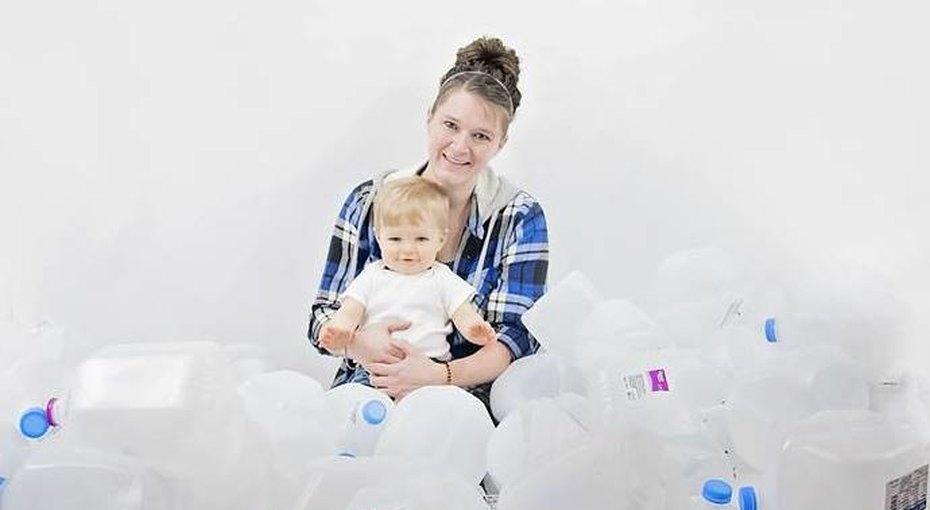 «Молочная фея»: женщина пожертвовала более 400 литров грудного молока нуждающимся детям