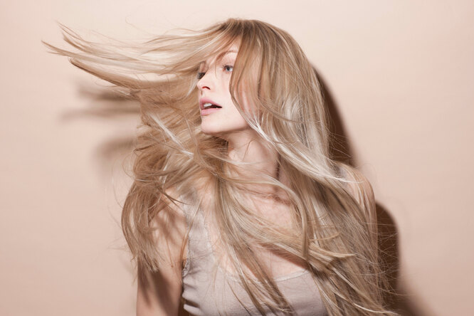 Как восстановить волосы после лета: советует эксперт