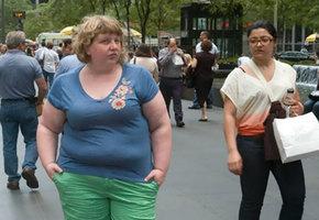 Фотограф решила показать, как окружающие реагируют на людей с лишним весом
