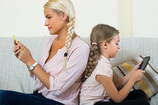 Дети, родители ителефон. Читать или нечитать Фейсбук вприсутствии ребенка?