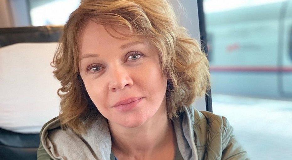 «Какая стать идостоинство!» 56-летняя Елена Валюшкина выложила архивное фото сбабушкой