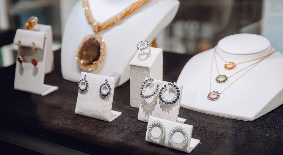 Во имя Розы: вМоскве прошел показ коллекции высокого ювелирного искусства Atelier TOUS Rosa Oriol