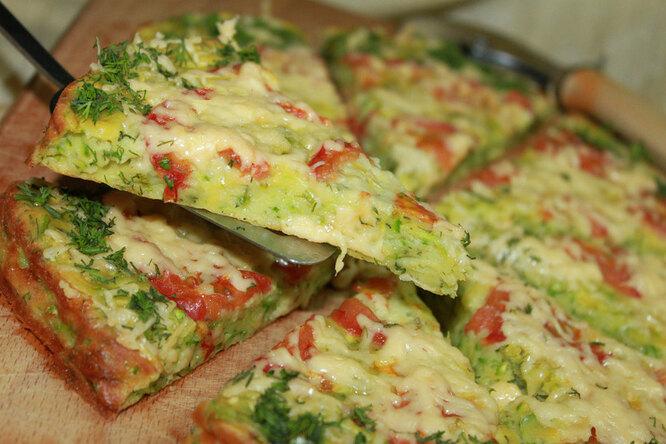 Диетическая кабачковая пицца
