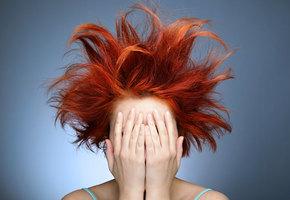 Это делают все! 5 ошибок, которые могут погубить волосы