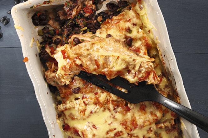 Энчилада с черной фасолью и специями