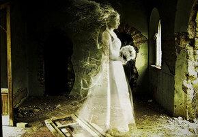 Свадебное платье, которое танцует само по себе: загадочная история Анны Бейкер