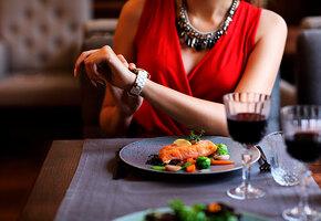 Поздний ужин: что делать, чтобы не потолстеть