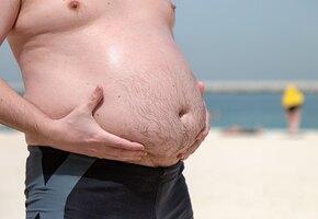 Почему у мужчин вырастает большой живот?