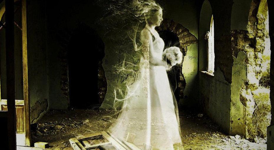 Анна Бейкер: вечная невеста иее проклятое платье