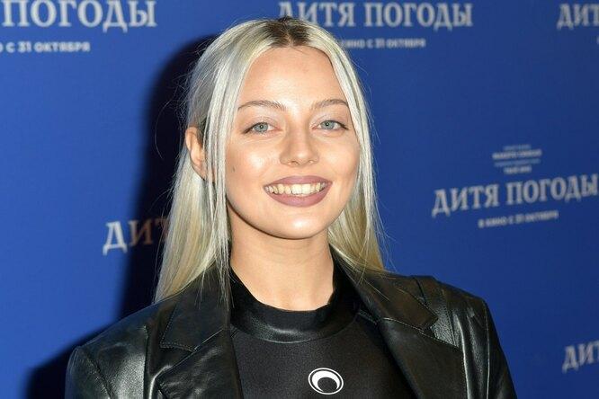 «Мамочка вдекрете»: Катя Кищук устроила фотосессию безбюстгальтера