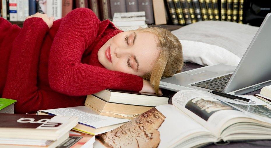 Дожить доотпуска: 9 трюков, которые помогут справиться со стрессом иусталостью наработе