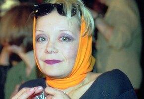 «Шикарный вид!» 61-летняя Евдокия Германова выложила фото в жакете на голое тело