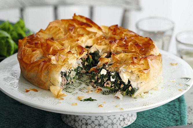 Пирог со шпинатом и бараниной