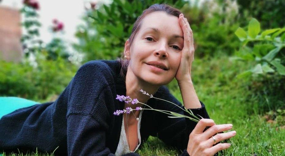 «Щеки были моей бедой»: Наталия Антонова показала, как выглядела в17 лет