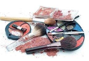 7 способов спасти косметику, которую жалко выбросить