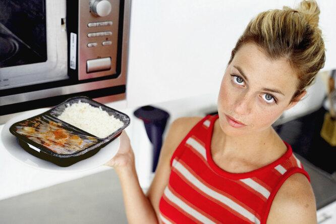 7 вещей, которые нельзя класть вмикроволновую печь. Никогда!