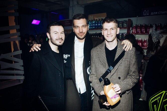Павел Бобров с друзьями