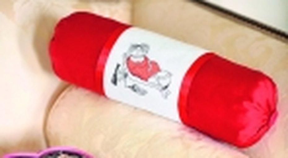 Диванная подушка сдамой.