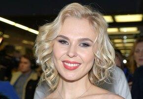 «Настоящая русская красота!» 34-летняя Пелагея похвасталась формами в облегающем платье