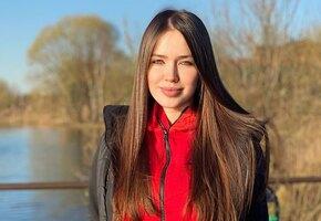«Такие разные»: Анастасия Костенко показала младшую сестру