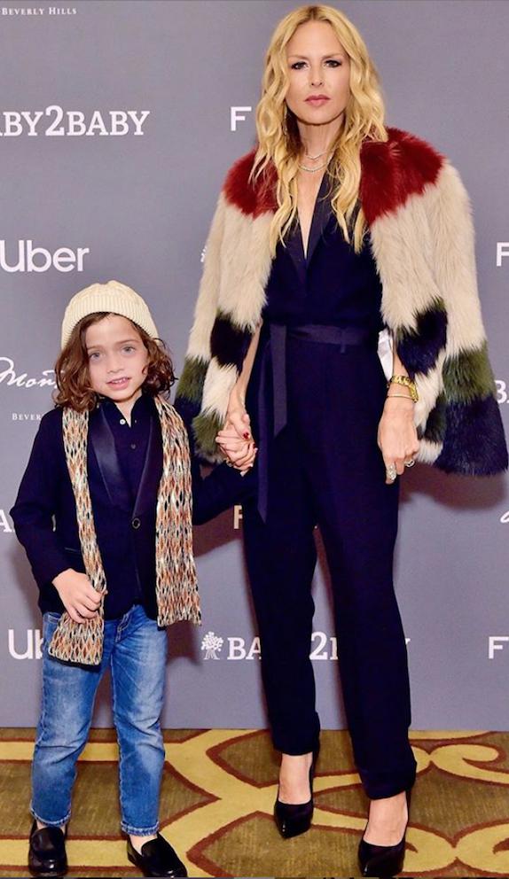 Рэйчел Зоуи с ребенком