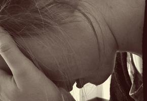 «Мой мир рухнул в одно мгновение»: как выживать с тираном десять лет