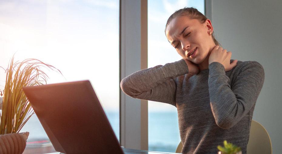 8 привычек, которые разрушают наш позвоночник - вбуквальном смысле